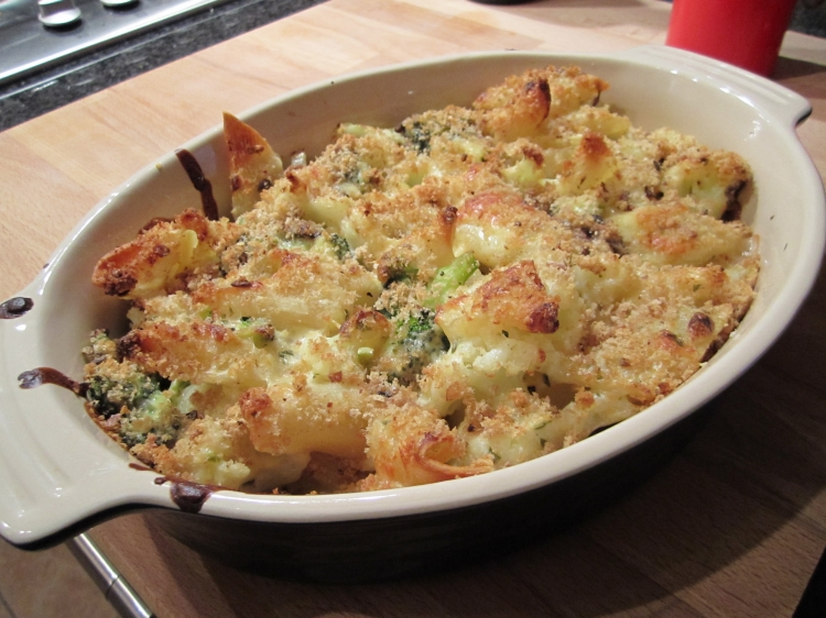 Cheesy Baked Cauliflower Pasta