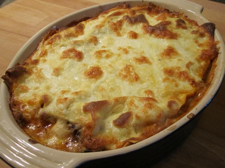 Ã?ber vegetarian lasagne